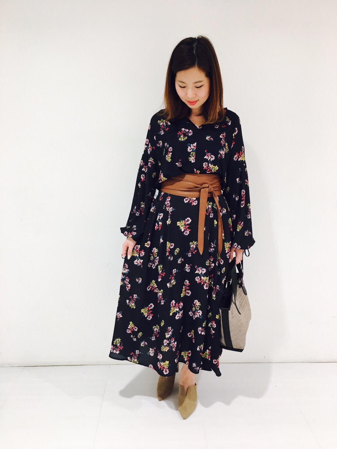 ◆カタログ掲載◆花柄ブラウス、スカート入荷・北千住店