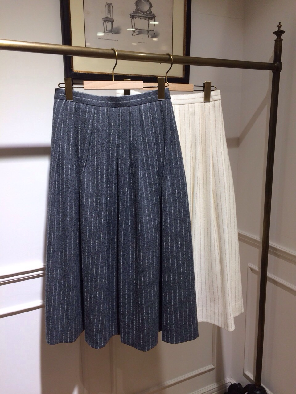 ウールストライプミモレスカート・本厚木店