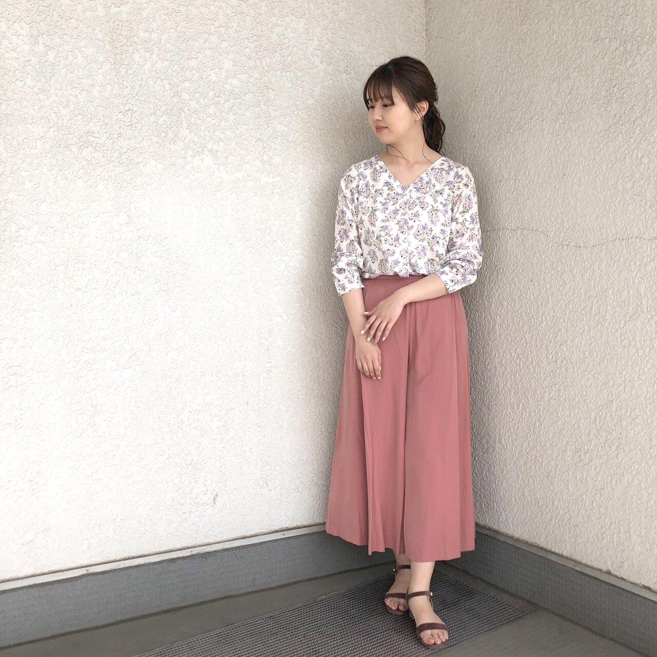 Vネックフラワープリントブラウス&ビンテージサテンフレアパンツ・荻窪店